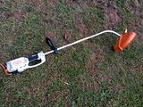 Decespugliatore tagliabordi elettrico STIHL FSE 81