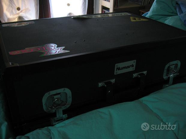 Flightcase dj marca Numark