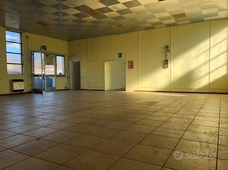 Magazzini Affitto In Uffici E Locali Commerciali A Varese E Provincia Subito It