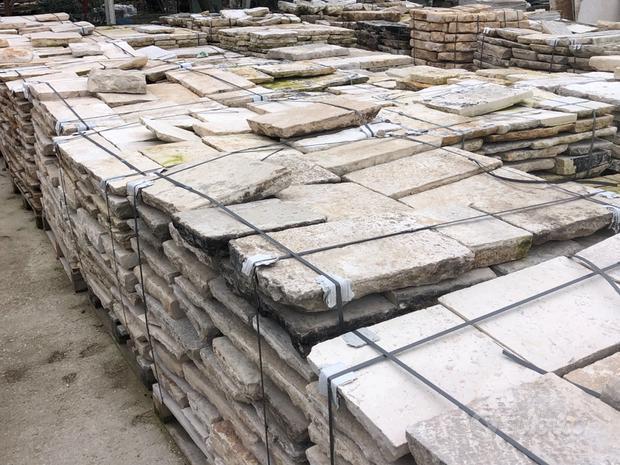 Basolati e pavimenti in pietra