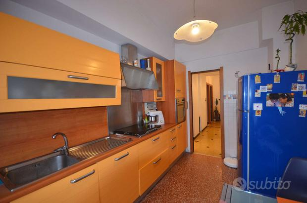 Appartamento a Genova, salita Brasile 13, 3 locali