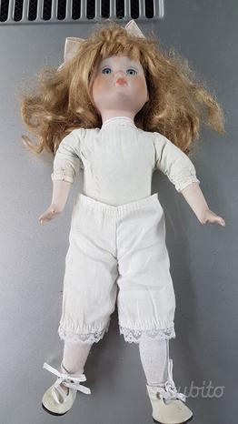 Bambola in ceramica