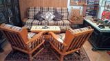 Salotto in legno chiaro e tessuto