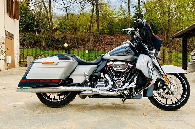 Harley Davidson Street Glide CVO 117