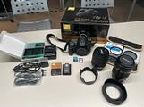 Nikon D7100 con obiettivi e accessori