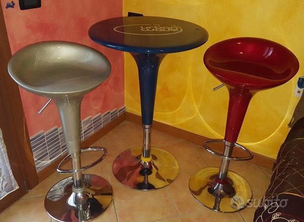 Sgabelli e tavolo bar/cucina