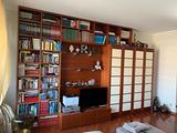 Libreria con zona per TV