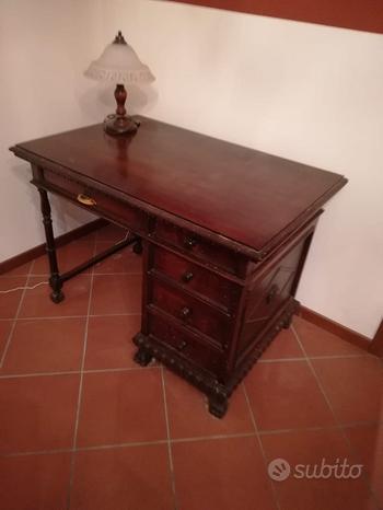 Scrivania fine 1800