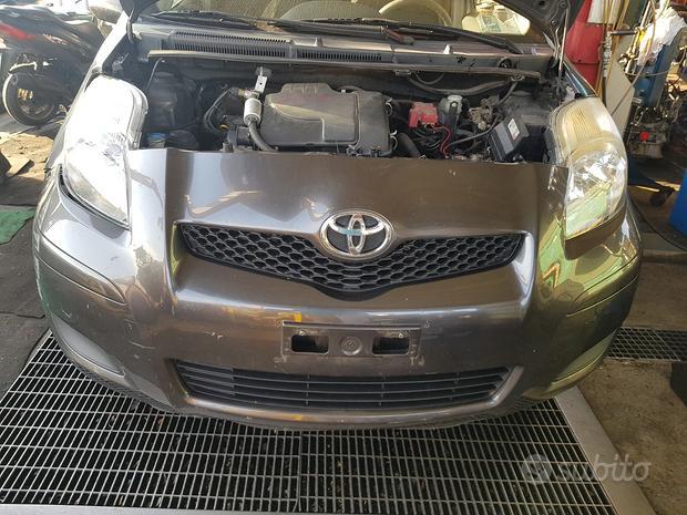 Toyota yaris 2007 - ricambi usati