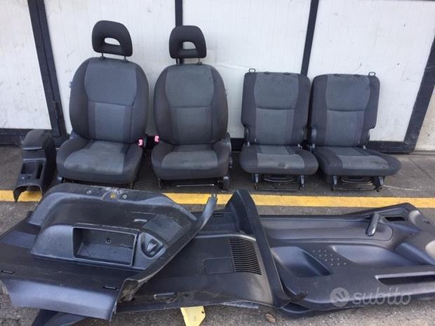 Sedili Toyota Rav4 04 3 porte grigio chiaro/scuro