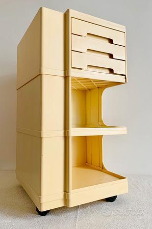 Mobiletto in laminato Design Giovanni Pelis