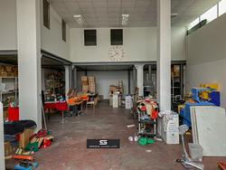Negozio/magazzino, colleatterrato basso