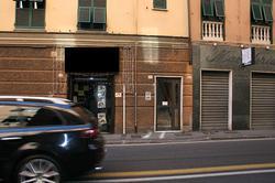 Negozio a Genova, via Canevari 236R, 1 locali