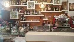 Bar Tavola Calda - Fredda a Genova, 1 locali