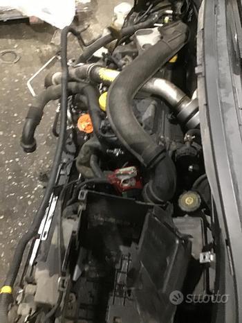 Motore Renault MODUS 1.5 DCI K9K T7 (63kw) usato