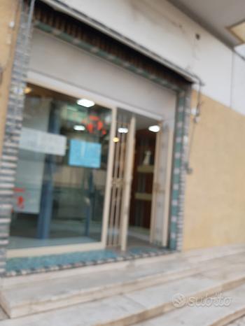 Locale commerciale/negozio via Italia capaccio