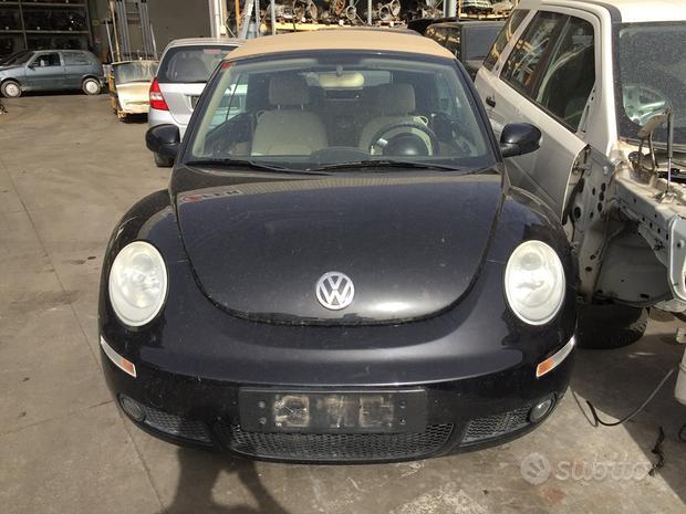 Volkswagen new beetle 1.6b anno 2006 per ricambi