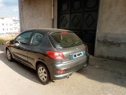 Peugeot 206 - 2011