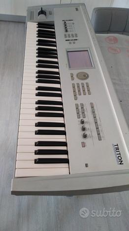 Triton le 61 music workstation/sampler