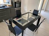 Tavolo in vetro e 4 sedie design