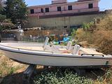 Barca mt 5 autosvuotante e motore 25 cv