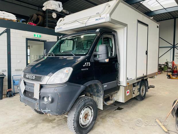 Iveco Daily 55S17 W 4x4 furgone e sponda