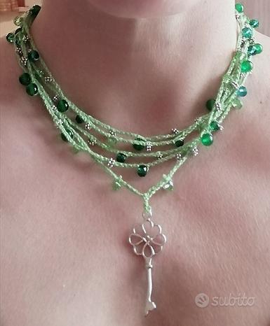Collana uncinetto verde, perline, pendente chiave