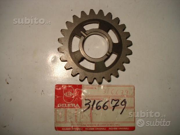 RX 125-200-RV 125-200 rif.316679 ingranaggio terza