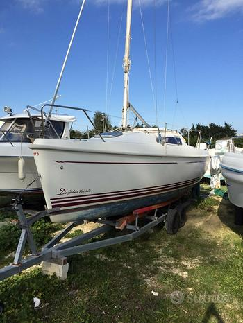 Barca a Vela con Deriva Mobile, Delphia 24