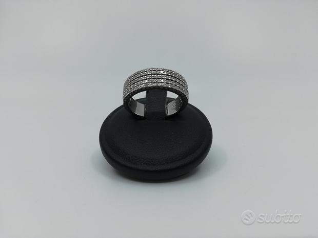 Anello a Fascia in Oro Bianco e Diamanti 0,50 Ct