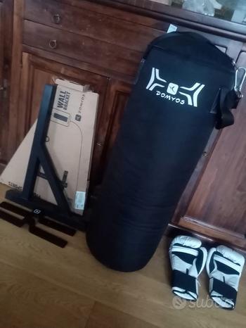 Sacco e guanti boxe
