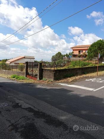 Nicolosi terreno edificabile per due ville rif 199