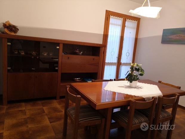 Sala da pranzo + tavolo e sedie
