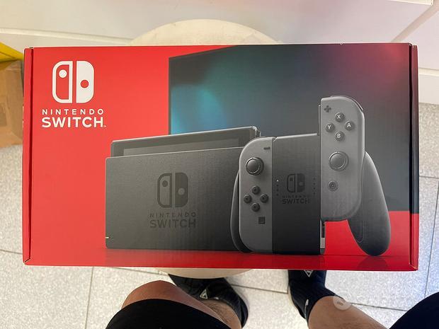 Nintendo Switch Ver. 2019 garanzia italiana