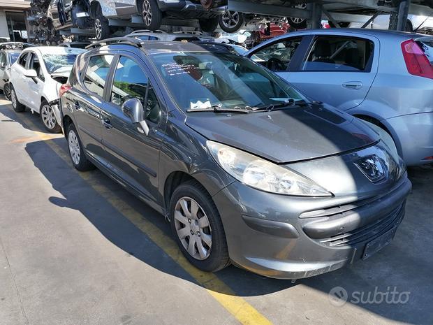 Peugeot 207 sw 9hx 1.6hdi 66kw per ricambi