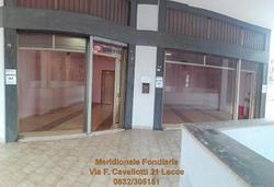 Locale, Lecce.