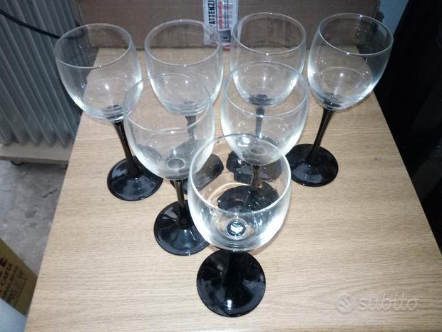 Bicchieri e altre stoviglie
