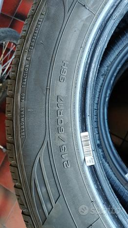 Gomme 215/60/17