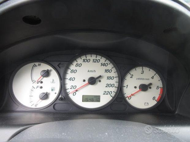 Quadro strumenti MAZDA PREMACY 2.0 diesel 2005