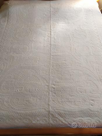 Copriletto vintage cotone in piquet