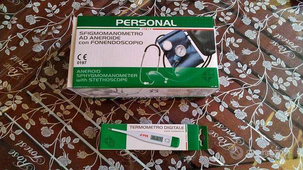 Sfigmomanometro con fonendoscopio e termometro dig