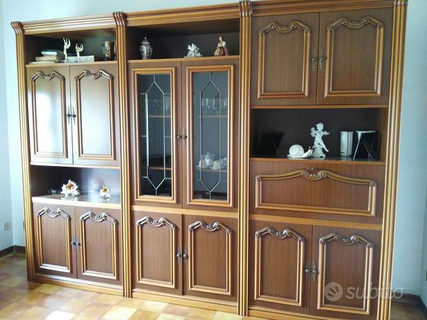 Mobile vetrina in legno soggiorno
