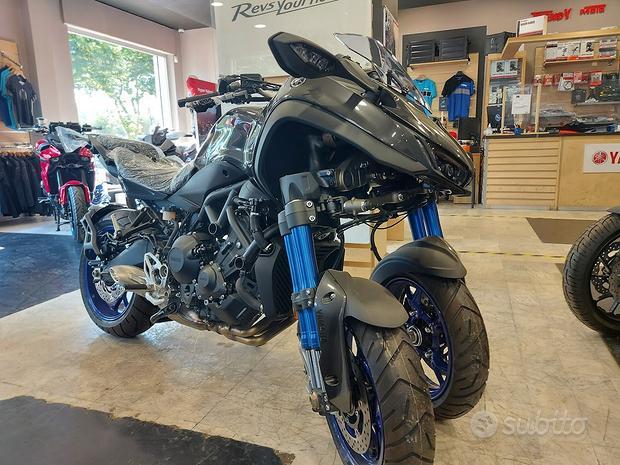 Yamaha Niken nuova da immatricolare