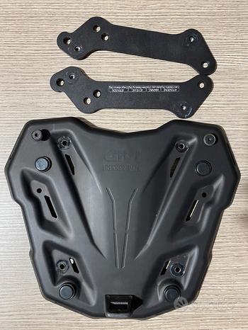 Honda Xadv. Piastra bauletto givi