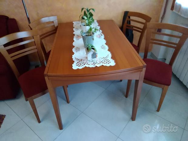 Tavolo con 4 sedie marca Calligaris