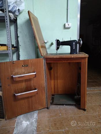Mobile con macchina da cucire