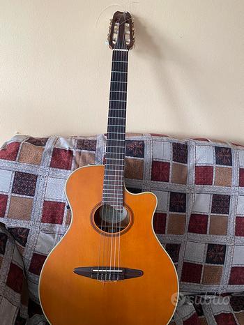 Yamaha apx 6 na chitarra classica amplificata