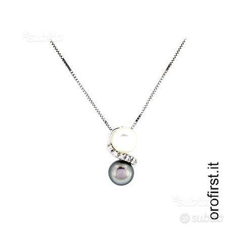 Collana con ciondolo diamanti e perle naturali