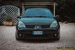 RENAULT Clio RS 172 2.0 16v