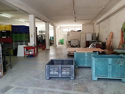 Laboratorio con deposito e porzione di piazzale